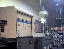 Cincinnati Millacron injection molding machine